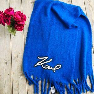 Karl Lagerfield NWT Blue Blanket Scarf